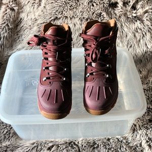TIMBERLAND BOYS BOOTS-NEW W/O BOX
